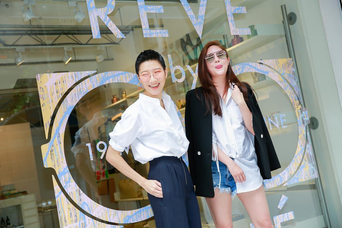 孫怡(左)搭RENÉ一身簡潔帥氣打扮,充滿時尚感。
