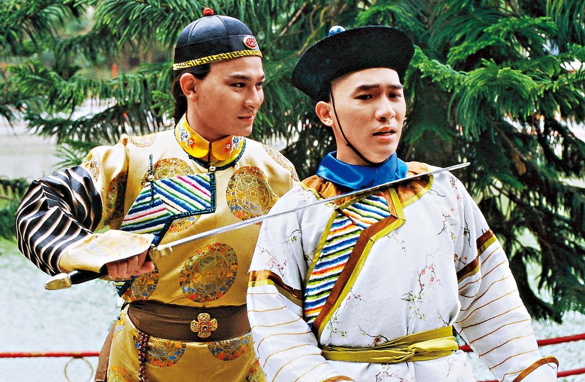 劉德華(左)和梁朝偉(右)主演的《鹿鼎記》。(KKTV提供)