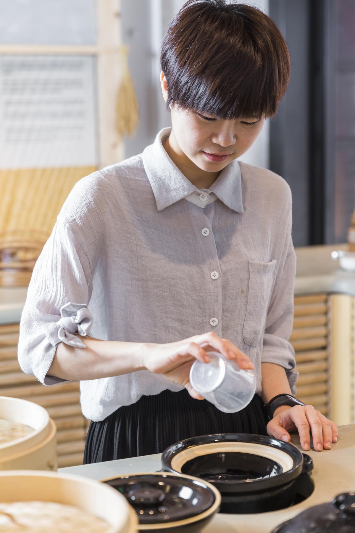 水量可依米的新舊增減,想吃軟飯就多加點水。