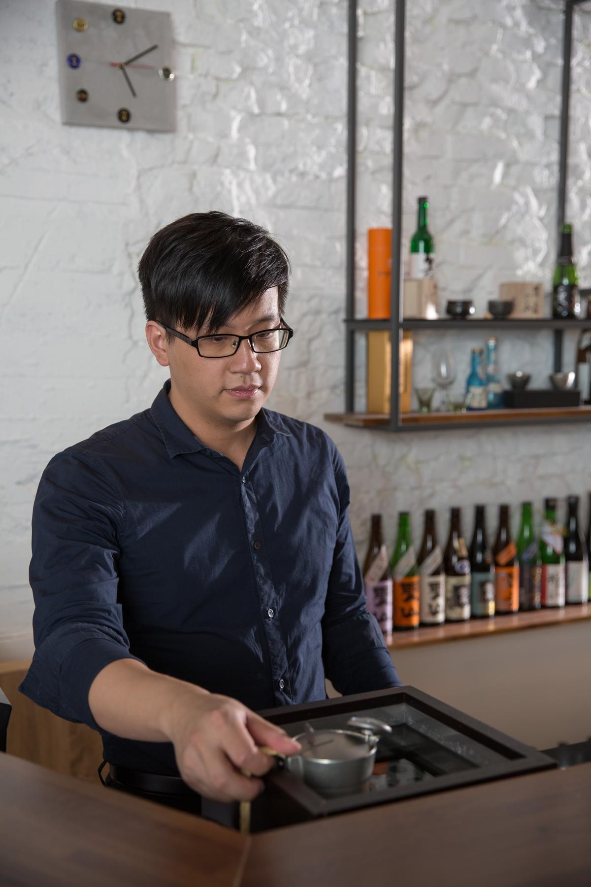 這裡除了提供冰鎮清酒,也有溫清酒,像吧檯內的錫壺溫酒器,錫壺加熱速度快,也讓酒質呈現較滑順口感。