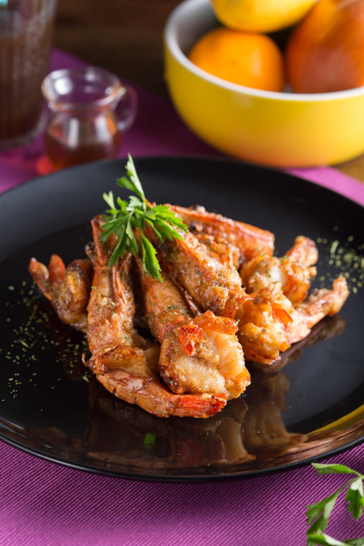 加了伍斯特醬的「里昂吮指酸辣蝦」酸甜惹味。(288元/份)