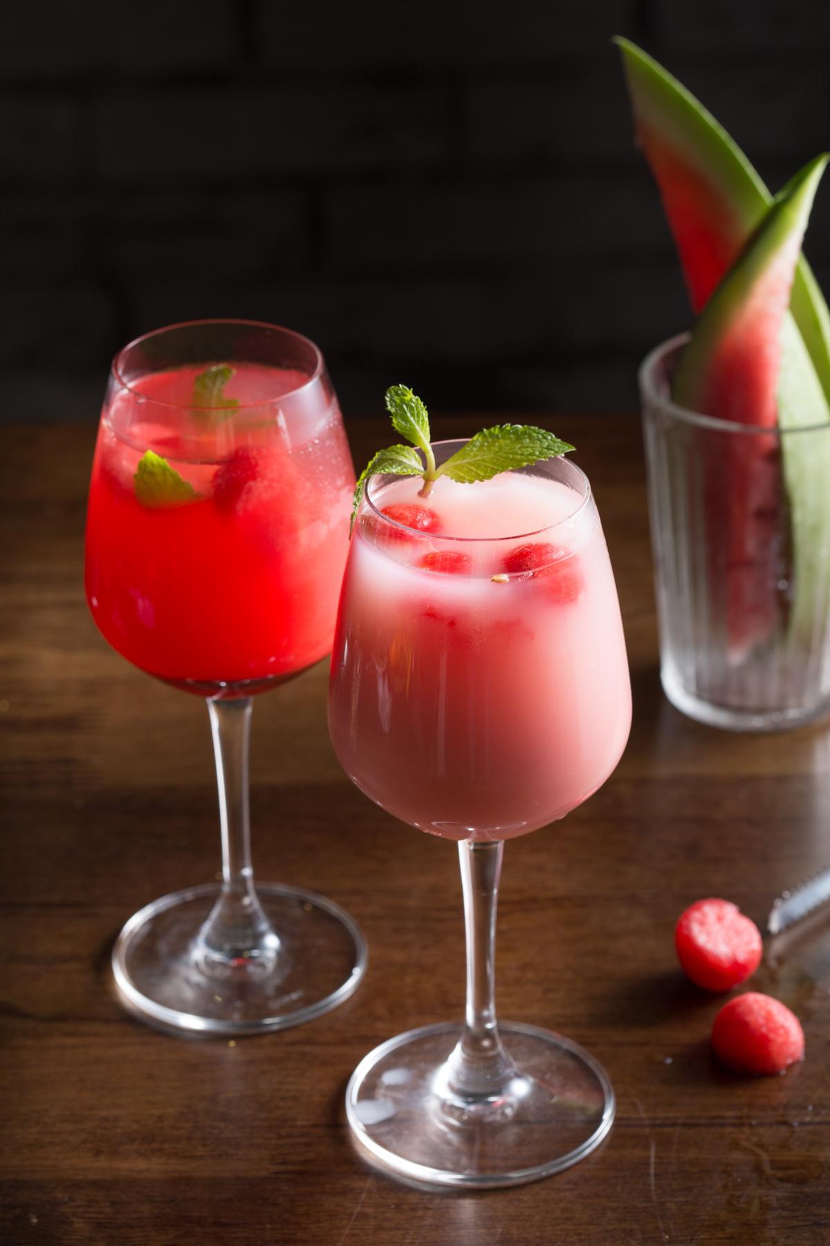 「西瓜沙瓦」(左,200元/杯)和「西瓜牛奶沙瓦」(右,200元/杯)微醺沁涼滿是西瓜香甜味,是非常夏天的風味。