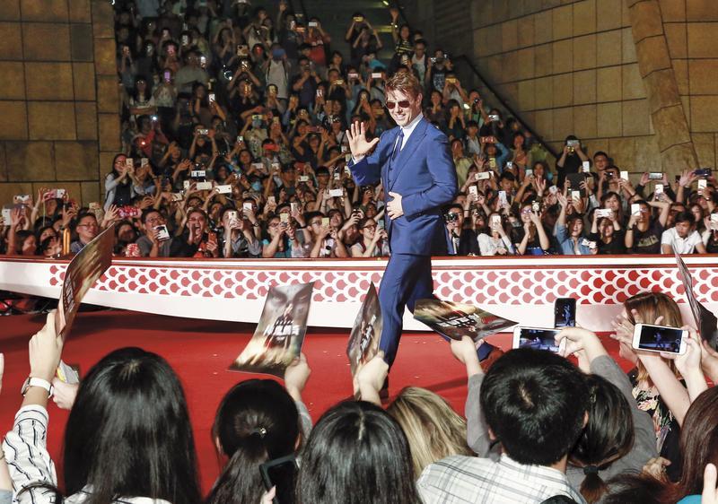 湯姆克魯斯4度來台宣傳,在大直美麗華首映吸引2,000位粉絲朝聖。