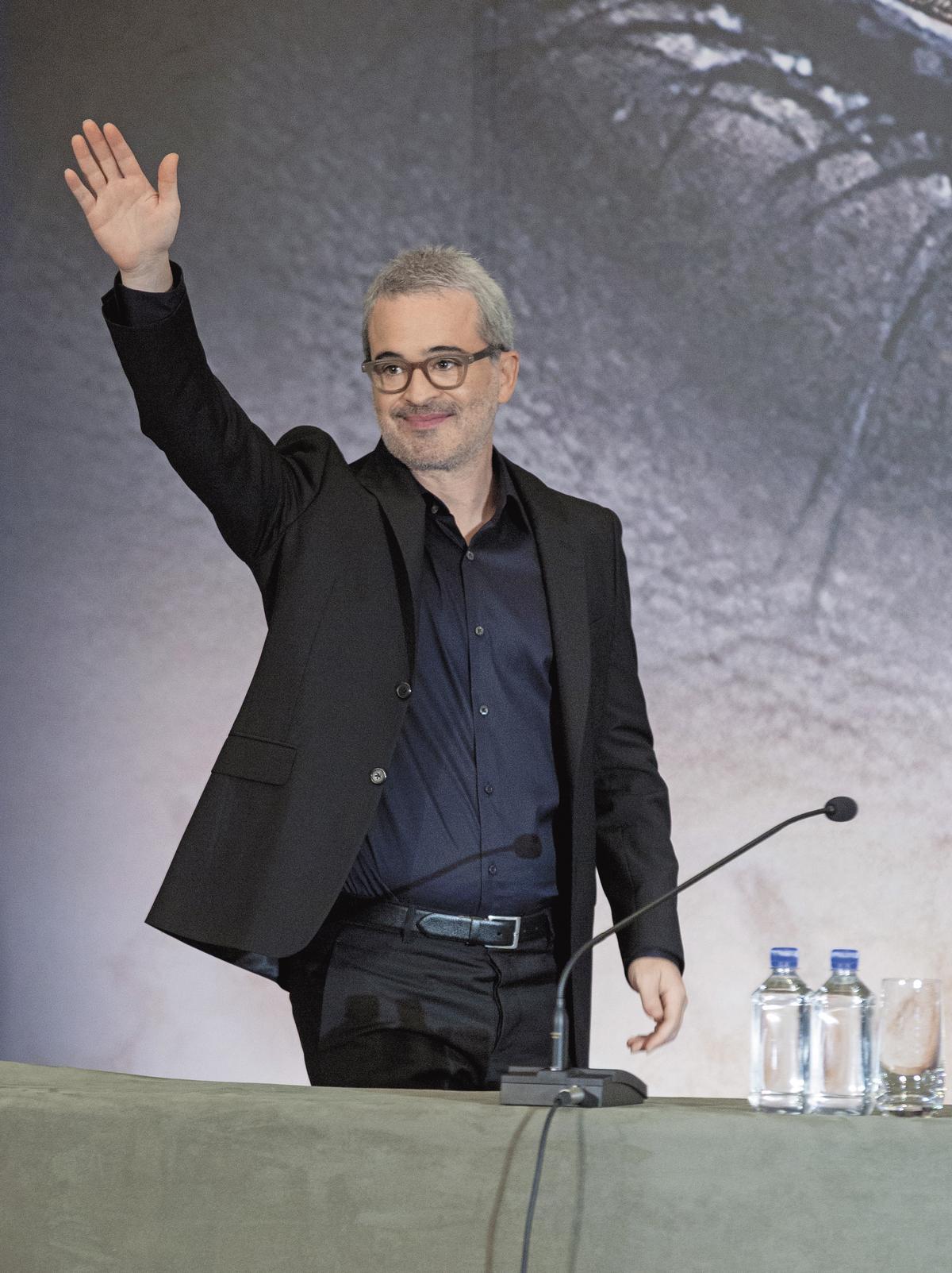 《神鬼傳奇》導演艾力克斯寇茲曼透露和阿湯哥合作壓力很大,但卻是前進的動力。