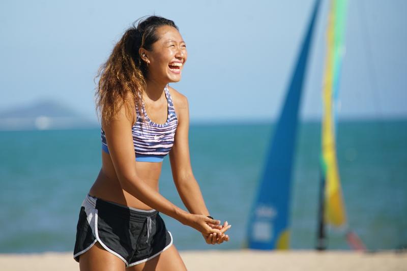 在海南島「Club Med三亞度假村」擔任G.O的台灣女孩周郁芸Unn,熱愛戶外活動,也想透過工作達成環遊世界的目標。