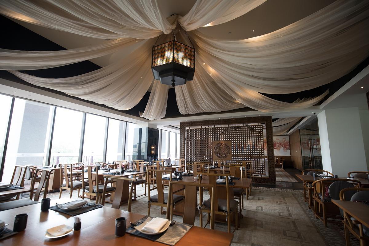 「絲綢之路」餐廳展現當年商貿風華。