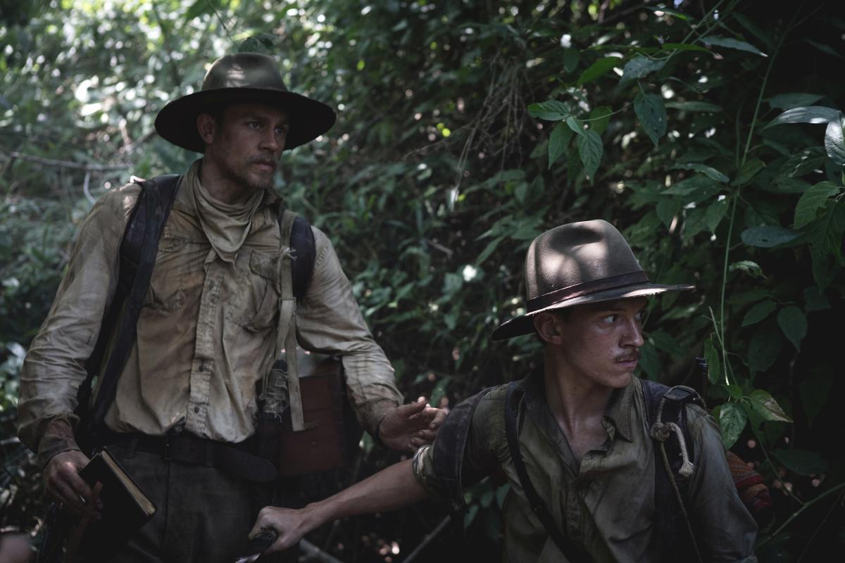 英國上校珀西哈里森佛斯特,和副官亨利科斯丁深入神秘的南美洲亞馬遜叢林探險,發現當地曾出現世界未知的文明遺跡。