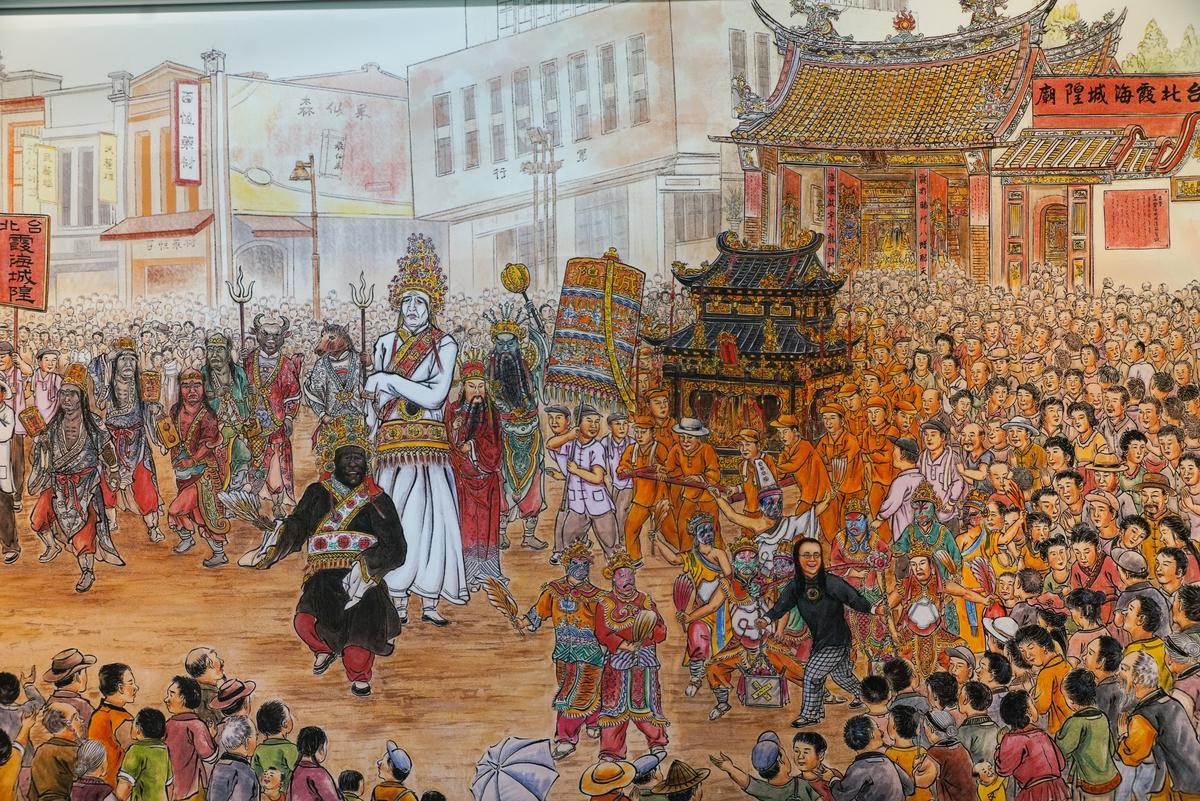 門神彩繪師傅劉家正繪製的「迎城隍」。