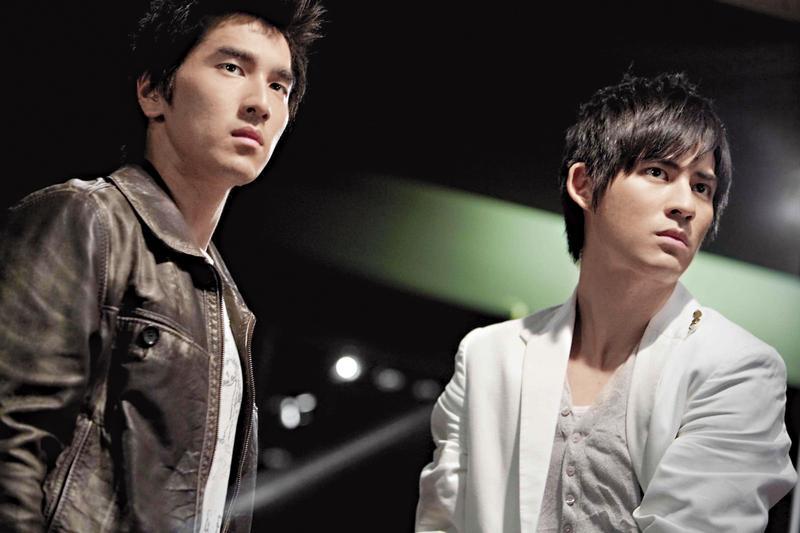 趙又廷(左)和仔仔因為電視劇《痞子英雄》互爭金鐘獎視帝而結下心結。