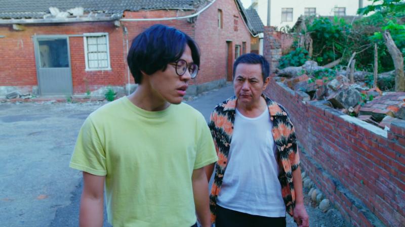 蔡振南(右)與盧廣仲(左)3分半鐘3頁對白,一鏡到底拍攝,兩人試戲3次正式拍攝。