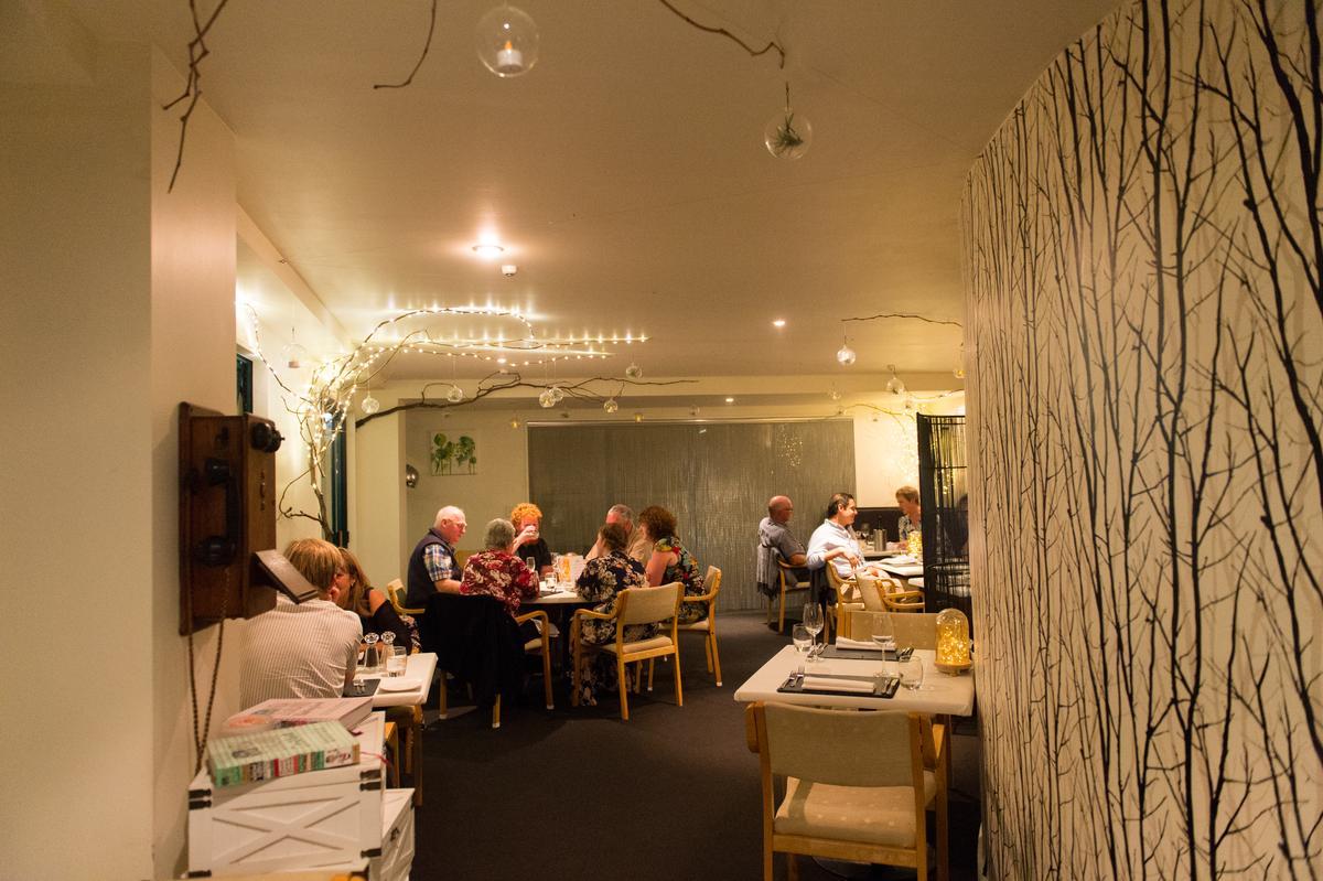 餐廳空間舒適巧雅。