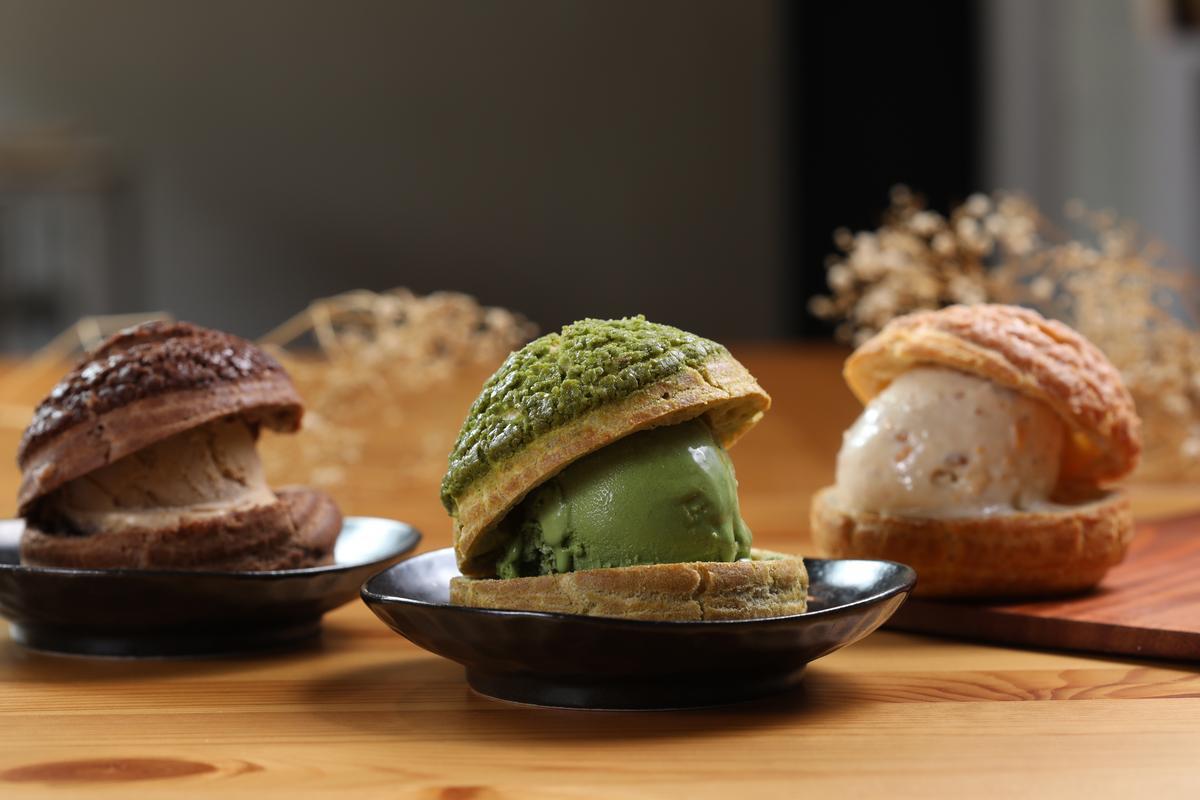 「冰心泡芙」外層是現烤菠蘿泡芙皮,夾上冰涼的gelato,冰火反差萌。(70元/顆)