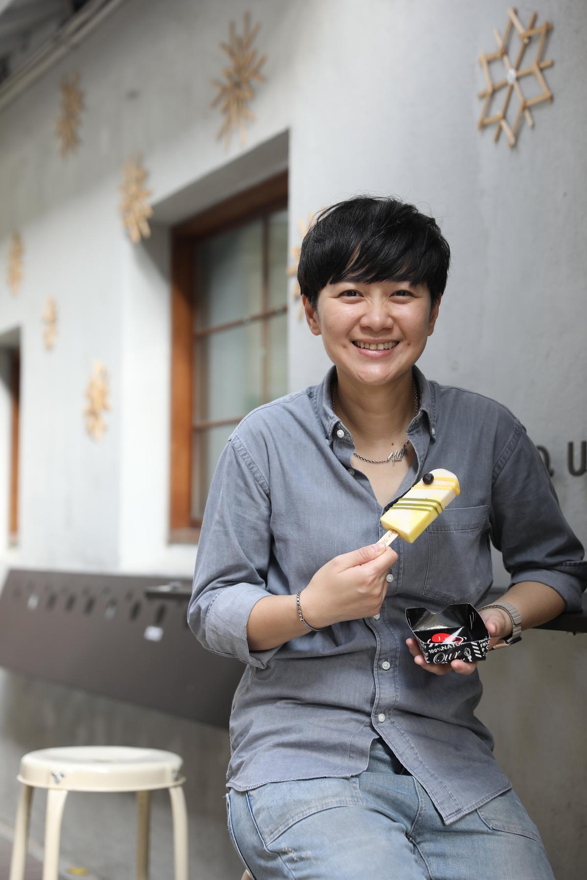 七年級老闆謝凱雯致力開發一系列冰品,為開設分店站穩腳步。