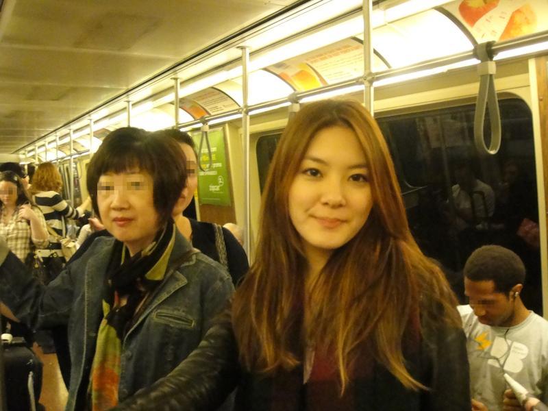 楊雅筑透露熱愛自助旅行,但由於性格大剌剌,曾在凌晨搭紐約地鐵時差點遇險。