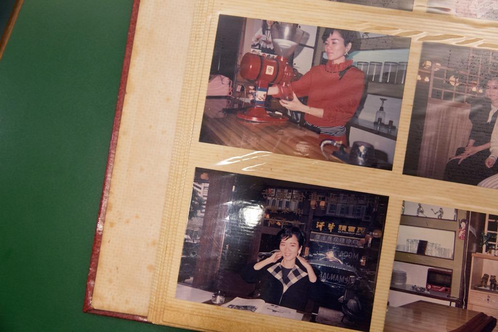 舊照片上的蔡翠瑛裝扮時髦,臉上滿是笑意。