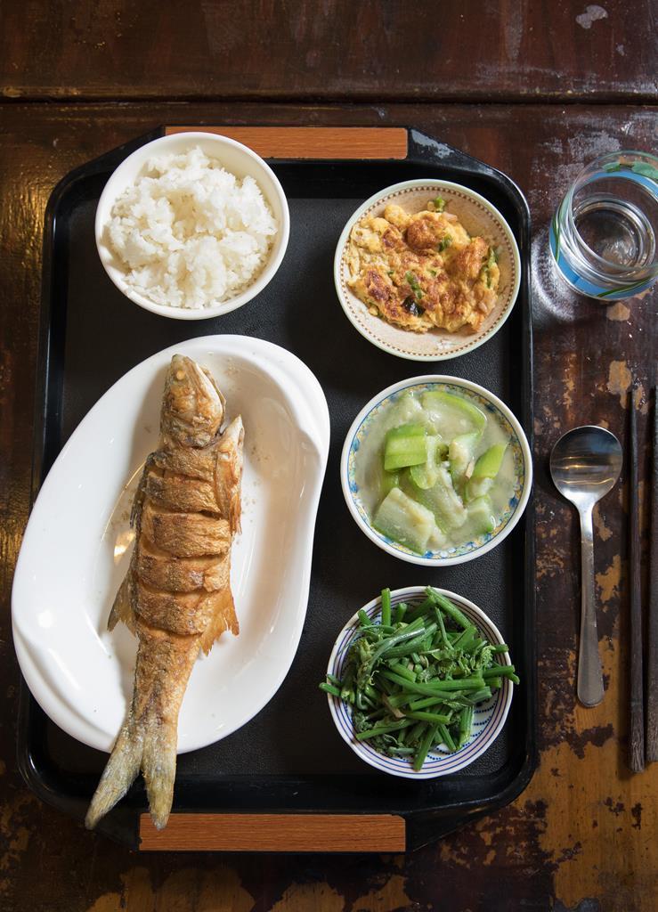 「午仔魚」由於細刺少,表面又煎得「恰恰」香脆,很受歡迎。(400元/份)