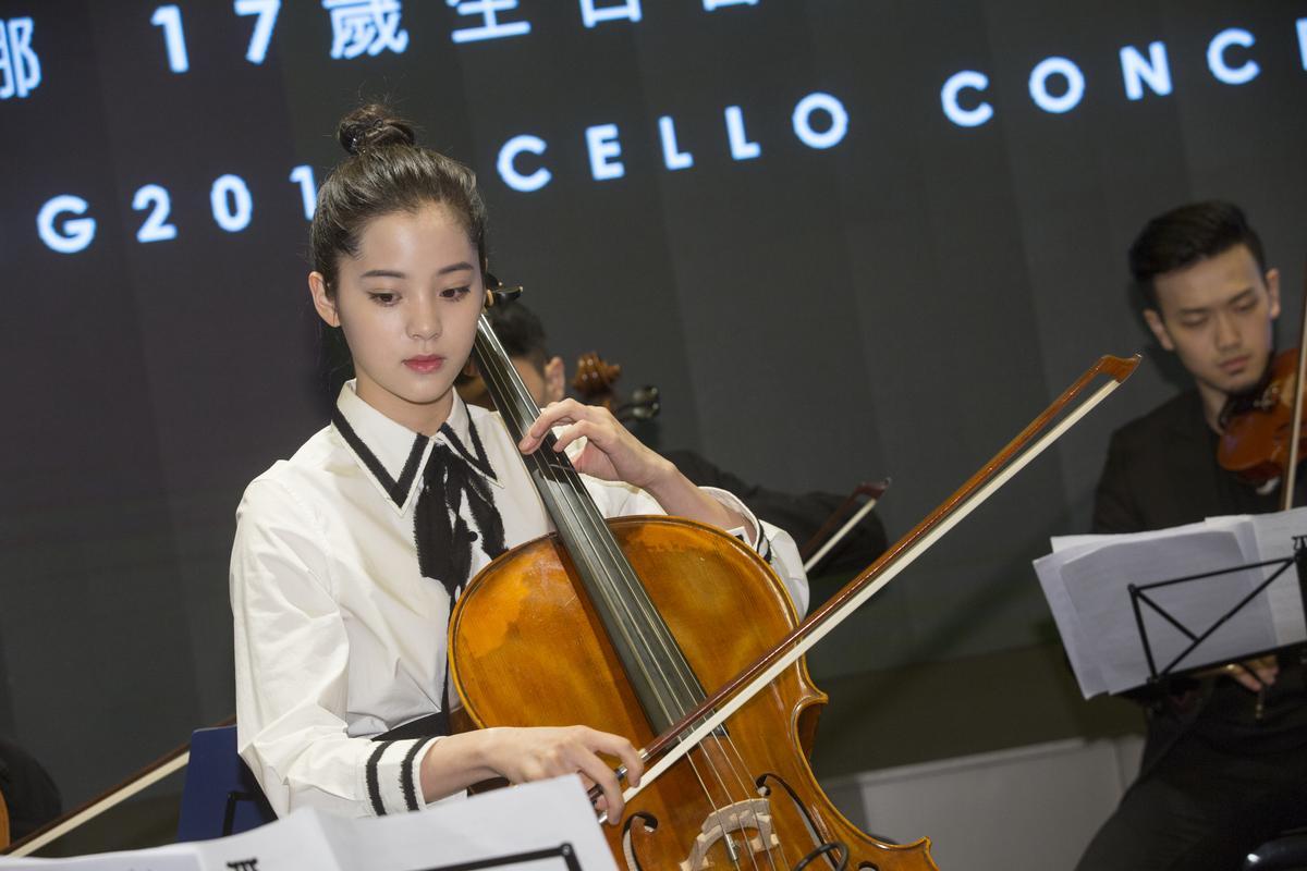 歐陽娜娜15日在台北舉辦17歲生日音樂會。