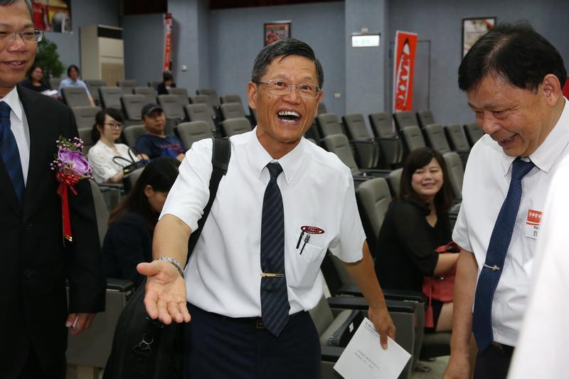 全台第一大輪胎廠正新橡膠(2105)昨日(15日)於彰化員林召開股東會,羅才仁喊話:今年要找100個博士。