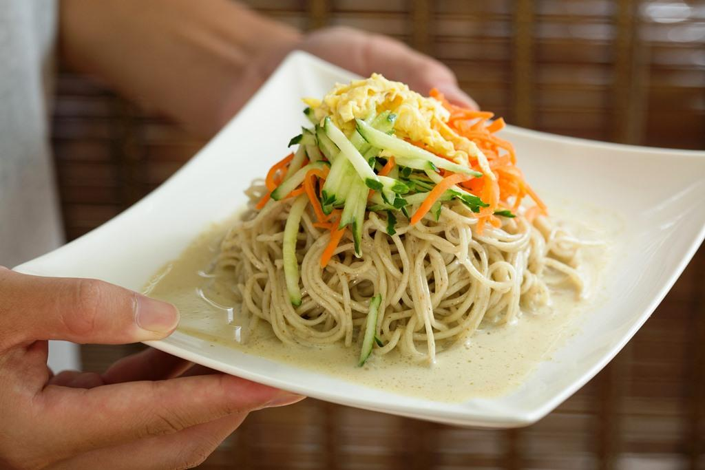 「泰式咖哩椰奶全麥涼麵」吃得到綠咖哩的香氣和微微辛辣,清爽又開胃。(60元/份)