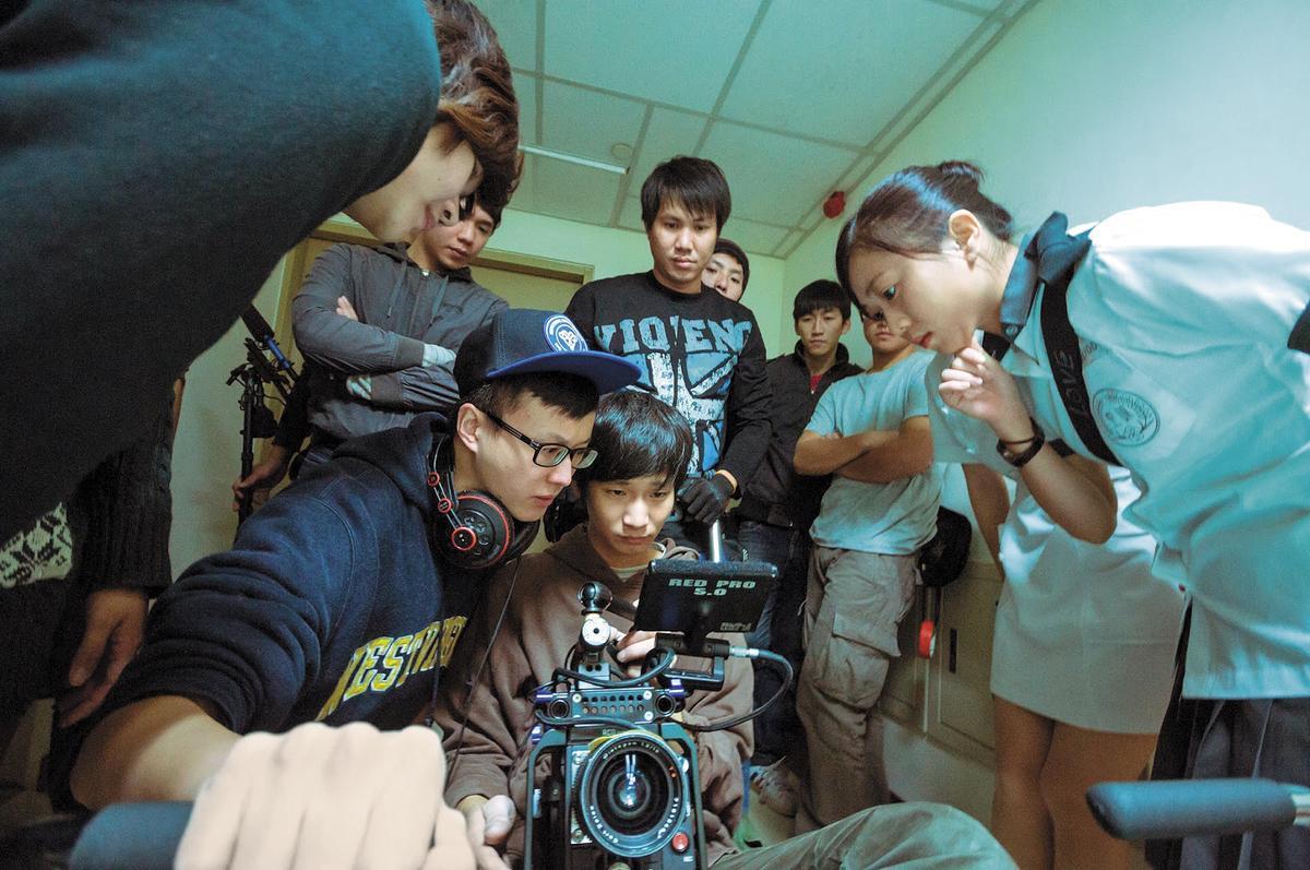 酷瞧選擇與「壹玖八七工作室」合作,全因團隊成員大多為1987年出生的年輕人。(翻攝自網路)