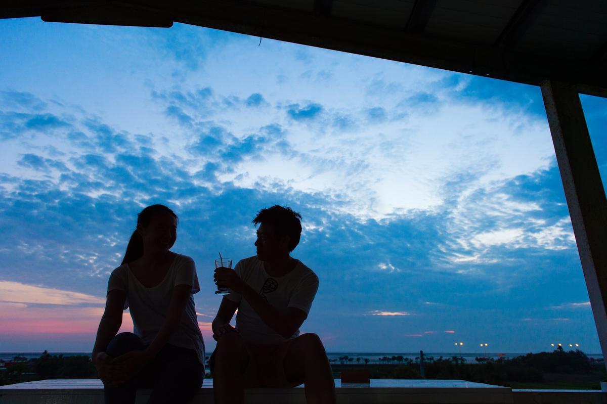 晚霞灑上天,來這兒看夕陽最美。
