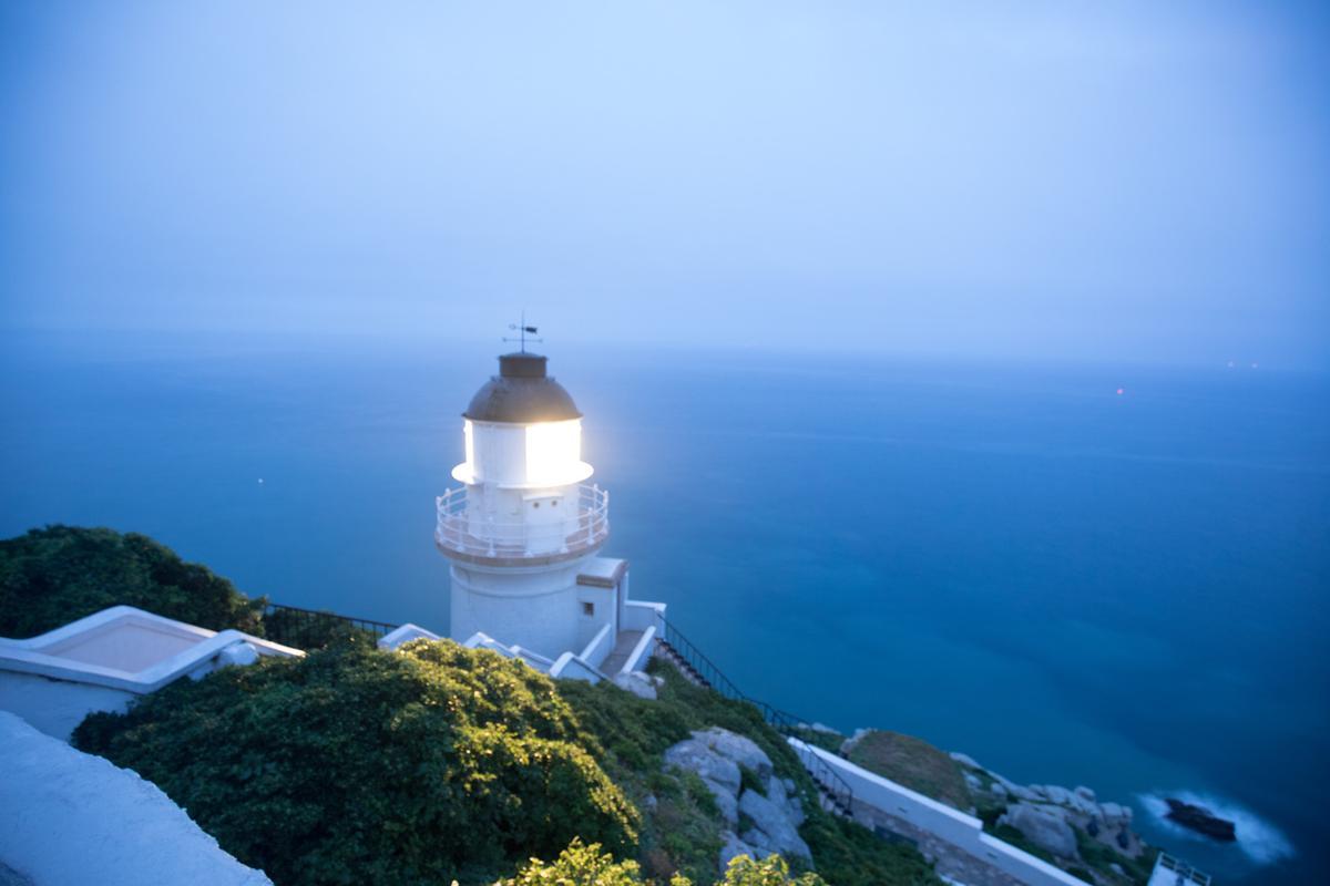 全台最北邊的「東引燈塔」,在6月5日「復燈」滿一週年。