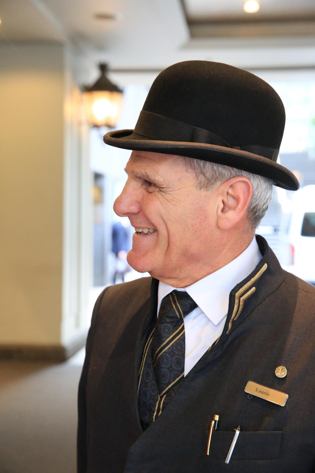 很有英倫風範的Bellboy,親切招呼,歡迎旅人回到墨爾本的家。