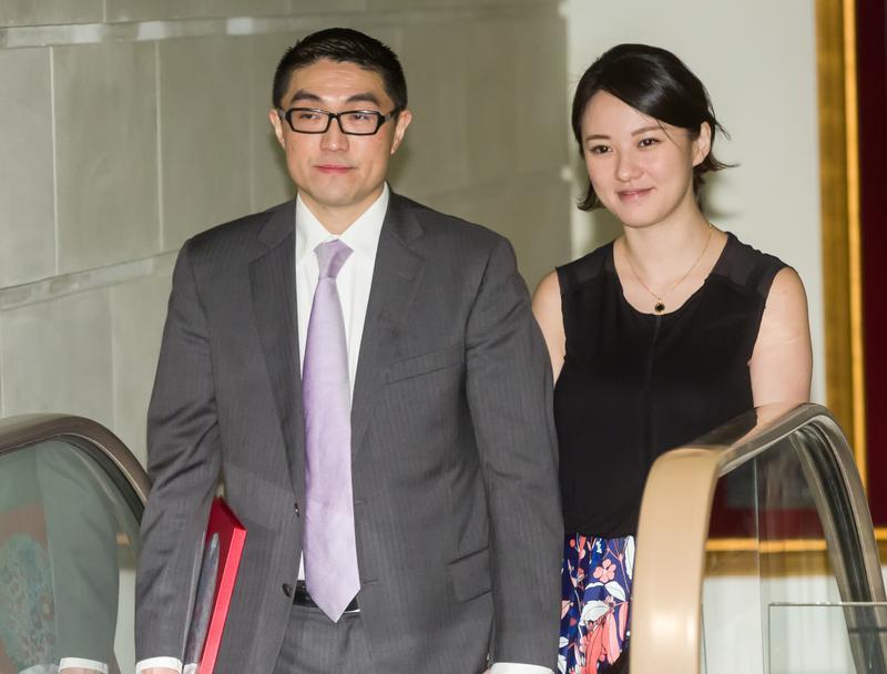 由前立委謝國樑擔任董事長的華聯國際,將與香港上市公司HMV數碼中國合併。圖為謝國樑伉儷。