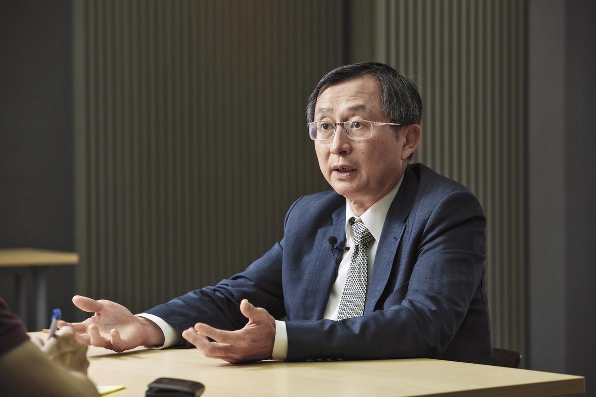 今年6月1日生醫聯盟風光成立,主席張鴻仁直言,要彙整民間問題,找對的政府窗口反映,做不好半年就關門。