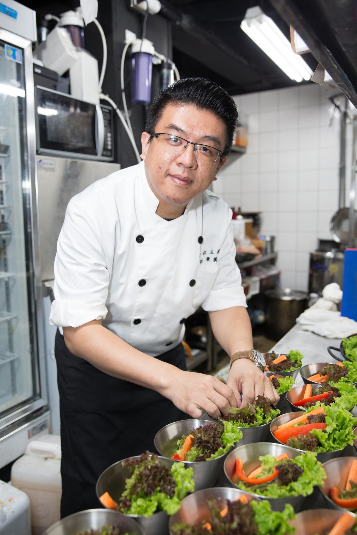 行政主廚胡秉騰常到韓國考察,為店內帶回新的料理元素。