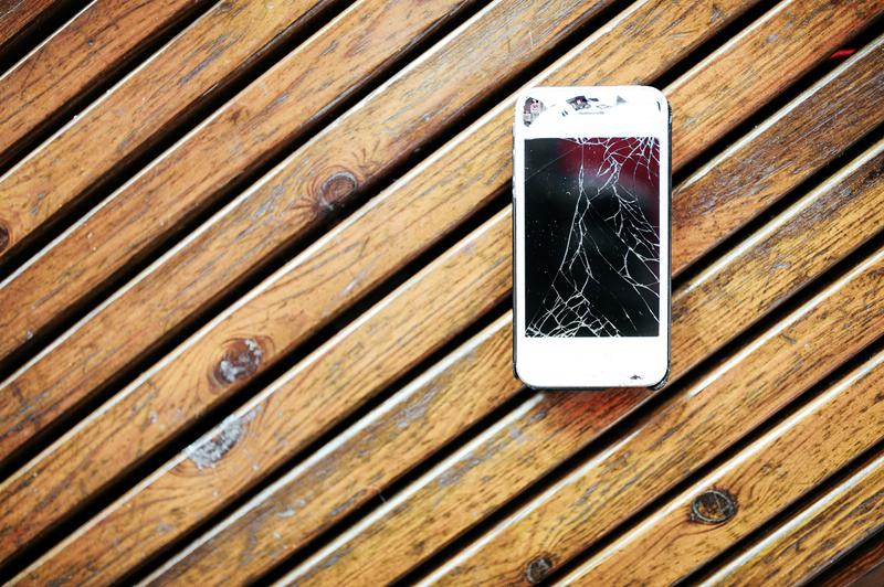 iPhone價高兼使用者眾,造就龐大的維修市場。