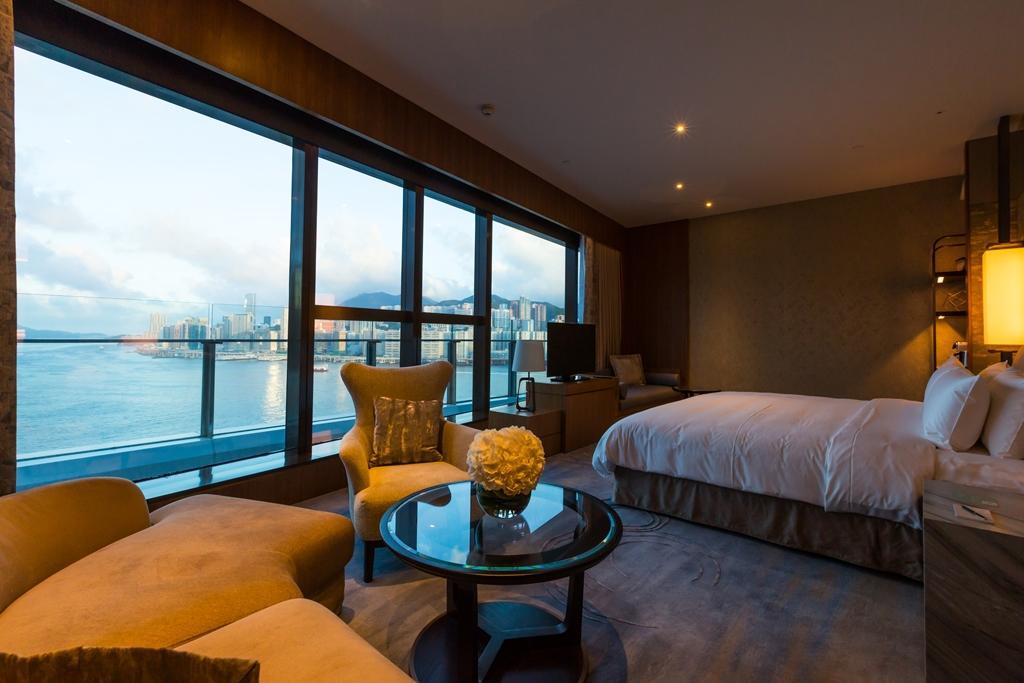 房間視野最好,可眺望港島夜景與無敵海景。
