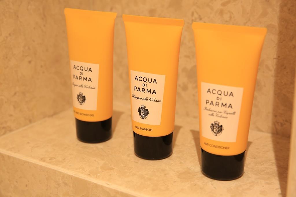 浴室備品用的是香氣宜人的「ACQUA DI PARMA」。
