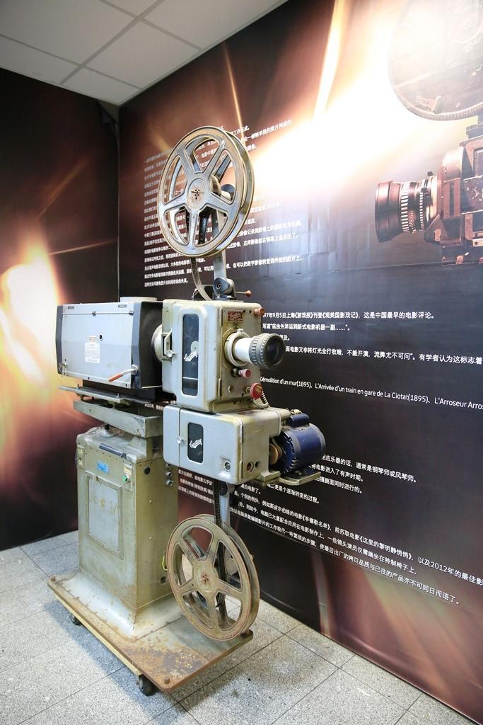 寶石戲院的老放映機,見證過香港電影的全盛時代。