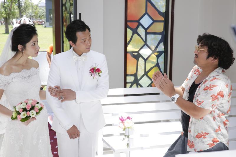 李千娜與小鬼在《逃婚一百次》中飾演一對歡喜冤家,右為導演北村豐晴。