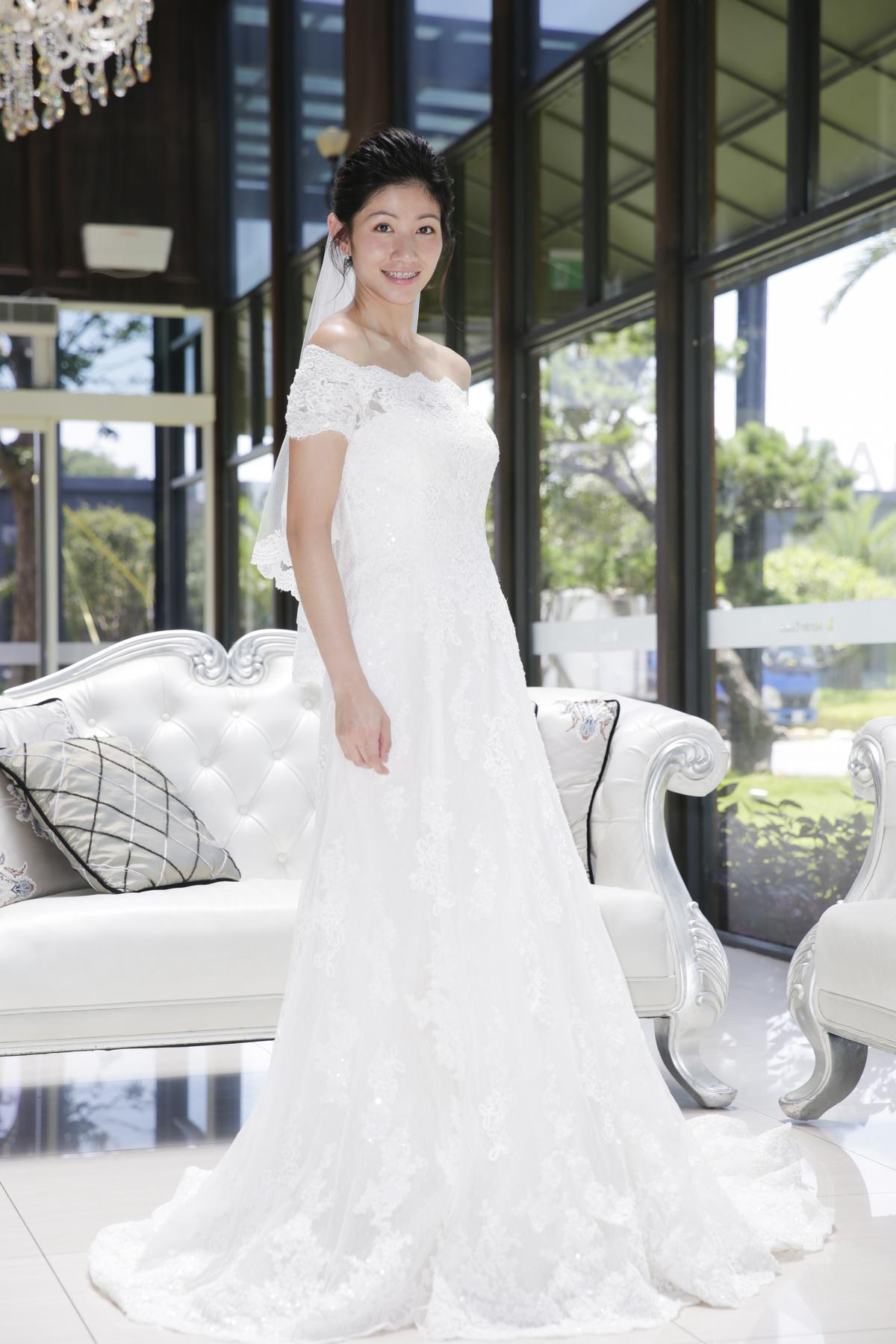 李千娜穿婚紗看似溫柔,但她透露拍戲現場常不聽導演指令。