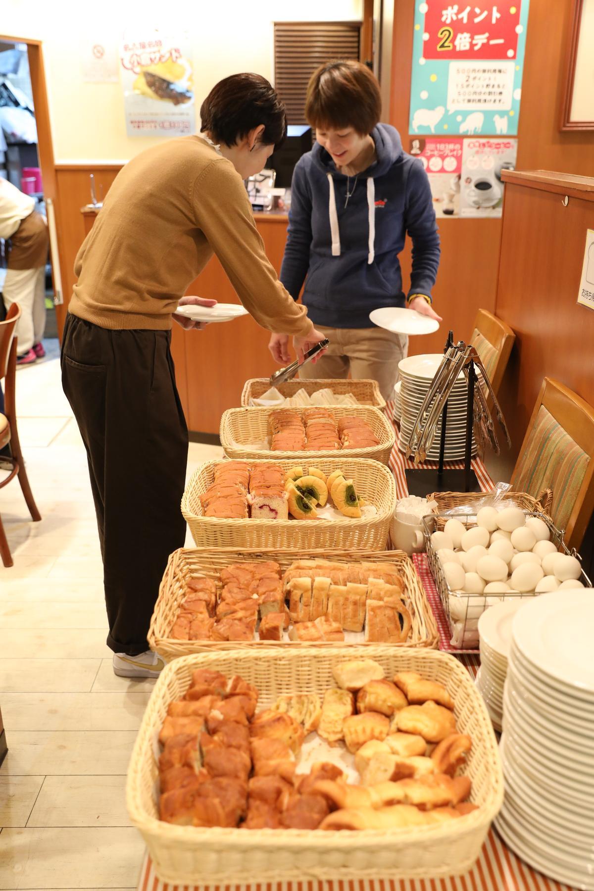 Chapeau Blanc相當有誠意,吃到飽的麵包選擇很豐富。