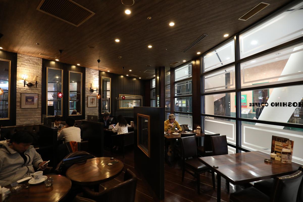 「星乃珈琲店」用餐環境雅致清幽,不少朋友喜歡在這邊吃早餐邊聊天。