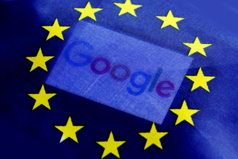 歐盟反托拉斯監管單位對谷歌祭出24.2億歐元(約合新台幣846億元)的罰鍰,創歷來最高紀錄。歐盟執委說,谷歌濫用自己在搜尋網路的霸主地位,形成不公平競爭。(東方IC)