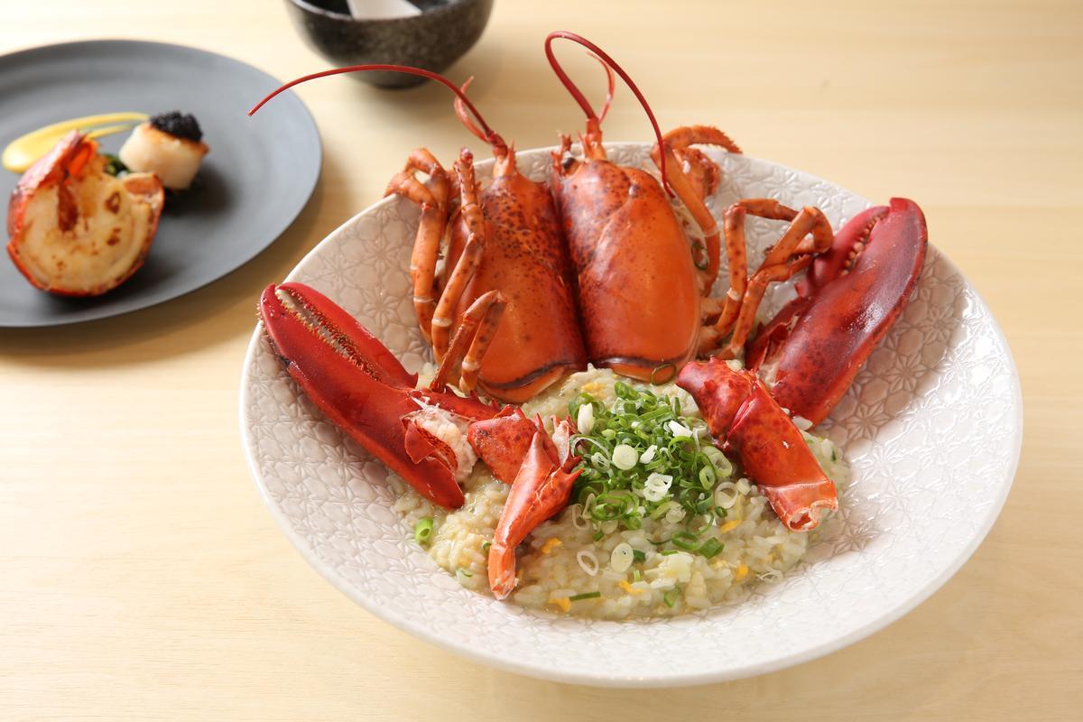 滿足肉欲後,來一碗用波士頓龍蝦頭和螯熬製的粥,完全打中澱粉控的心。