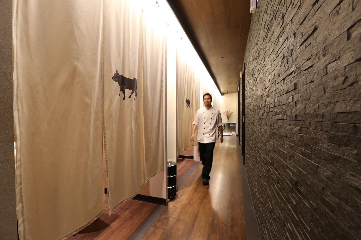 餐廳一樓改為鐵板燒獨立式包廂。