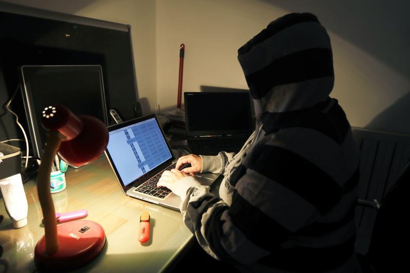 資訊安全專家發現,許多新興國家網路日益普及,但網路安全設施卻相對匱乏,因而成了高桿駭客測試的場域。(東方IC