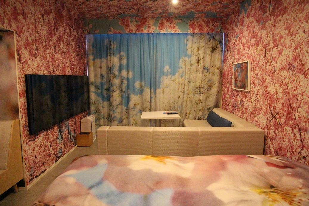 雙層窗簾營造了透視感和立體感。