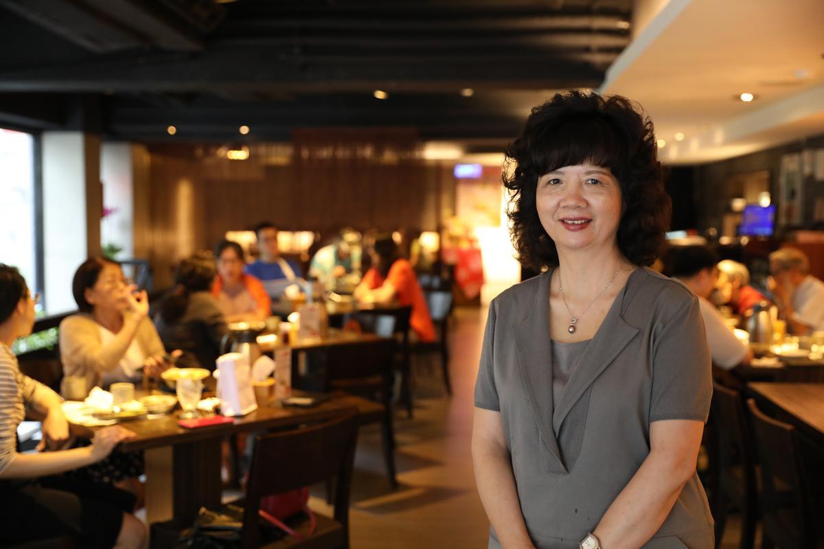 寬心園董事長黃瓊瑩一手打造素食者和葷食者都能接受的蔬食品牌。