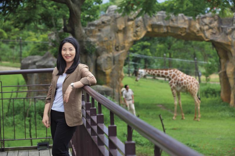 莊豐如將從小陪自己長大的六福村動物園,延伸發展出亞洲第一家生態度假旅館「六福莊」,也帶領六福集團營收走向新高點。