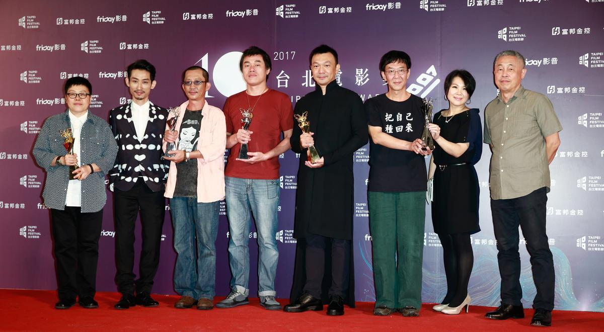 榮獲最佳劇情長片、百萬首獎等5項獎座的《大佛普拉斯》代表。
