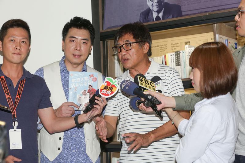 面對拍攝新劇《最好的選擇》爭議接二連三,梁修身表示無辜,認為只是完成國防部交派給他的任務。