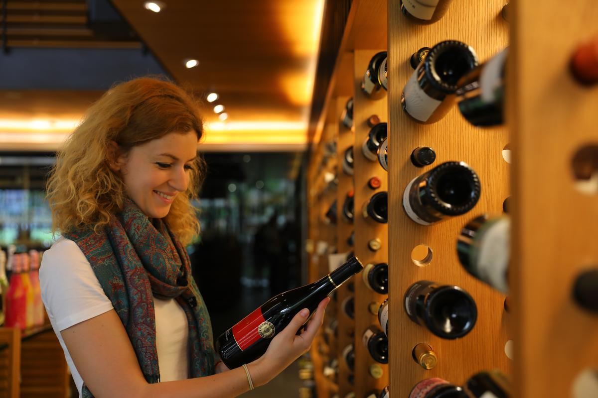 Kate來到買酒網尋覓匈牙利酒,進口數量不多,每支都是精品。
