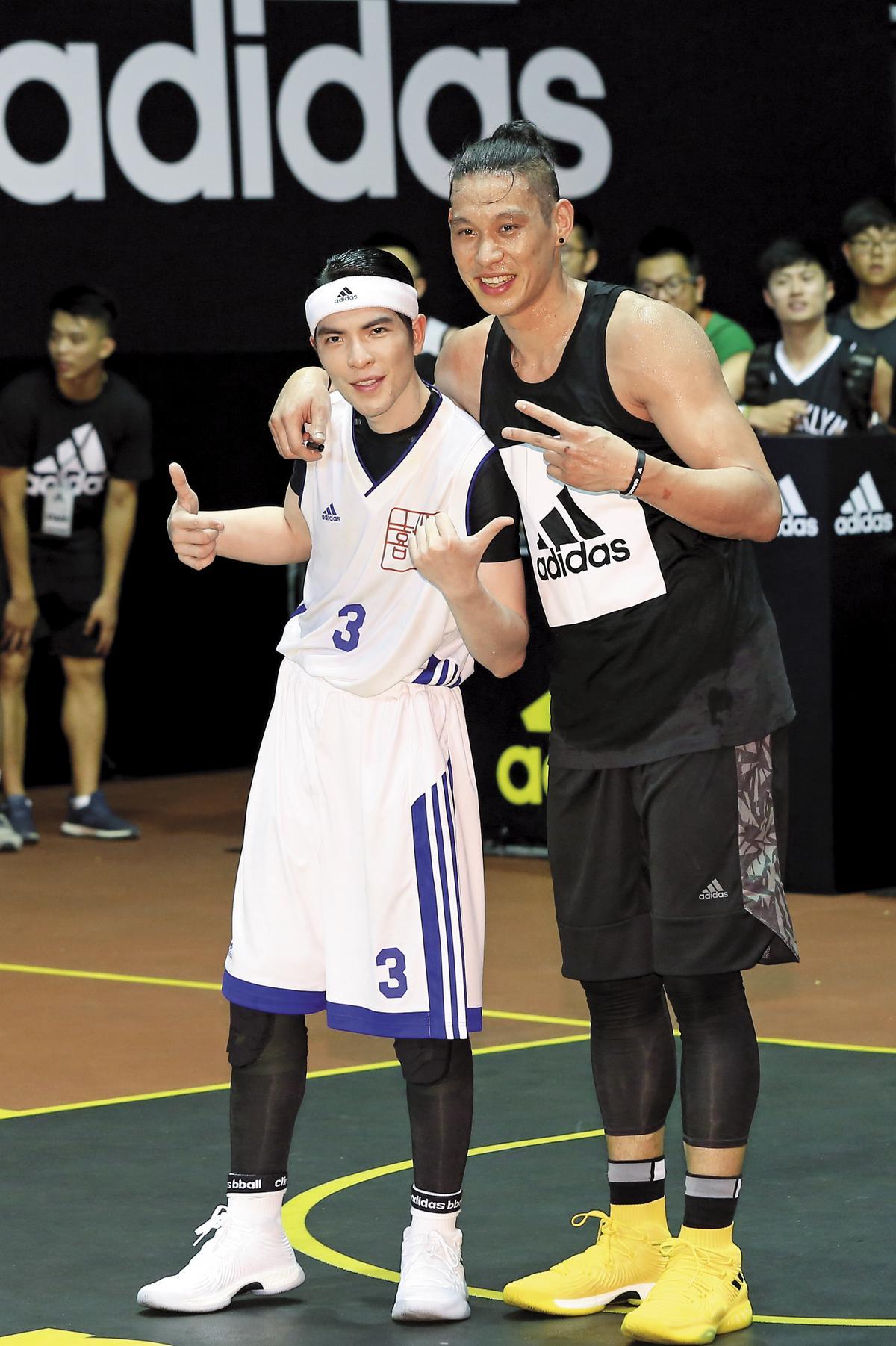 林書豪事後還誇獎蕭敬騰球技很好。