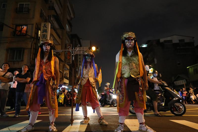 每年大稻埕霞海城隍祭中的「暗訪」,八將陣頭是遶境重頭戲。